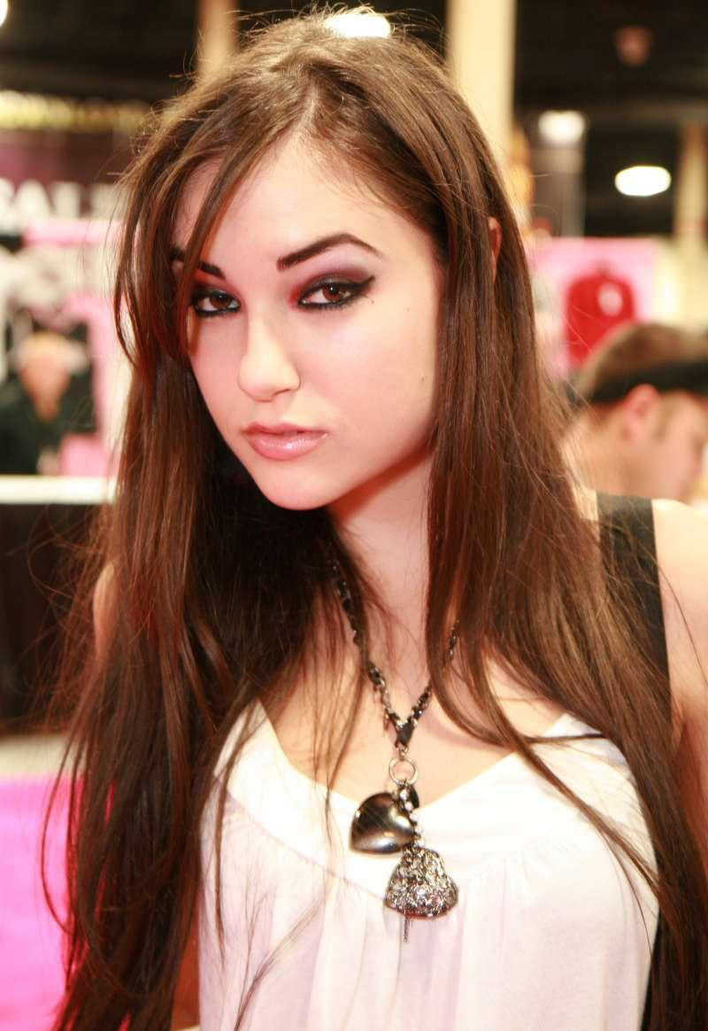 sasha_grey_photos_vryu2d